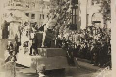 l24.05_adloyada_parade_0