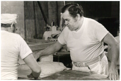 Samuel-Rosen-scaling-dough-at-Rosens-Famous-Baking-Company-late-1970s